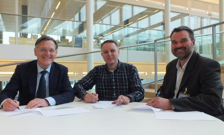v.l.n.r.: Wim van Vierssen (KWR), Coos Wessels (BWA), Johannes Boersma (Waterschap Aa en Maas)