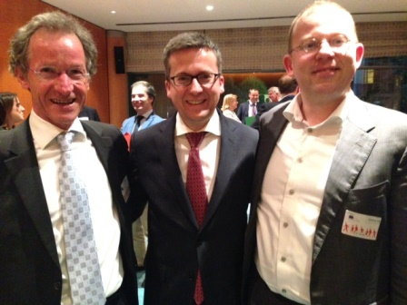 From right to left: Durk Krol (Director, WssTP), European Commissioner Moedas and Theo van den Hoven (Vice-President, WssTP).