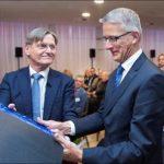 Oud PWN directeur Martien den Blanken eerste KWR Honorary Fellow