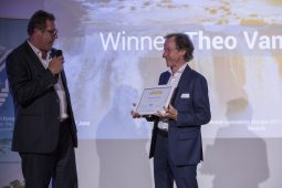 Theo van den Hoven benoemd tot Honorary Member WssTP