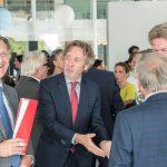 Minister Schulz van Haegen opent nieuw KWR-gebouw 1