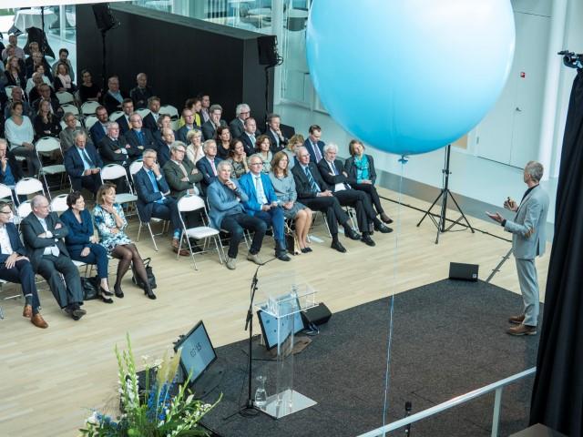 Minister Schulz van Haegen opent nieuw KWR-gebouw 5