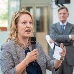 Minister Schulz van Haegen opent nieuw KWR-gebouw 9