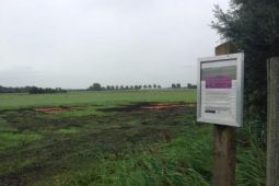 Iron and lime sludge applied to test plots in Bloemkampen nature area