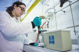 Laboratoria KWR op WoTS 2016: 'De microwereld van water'